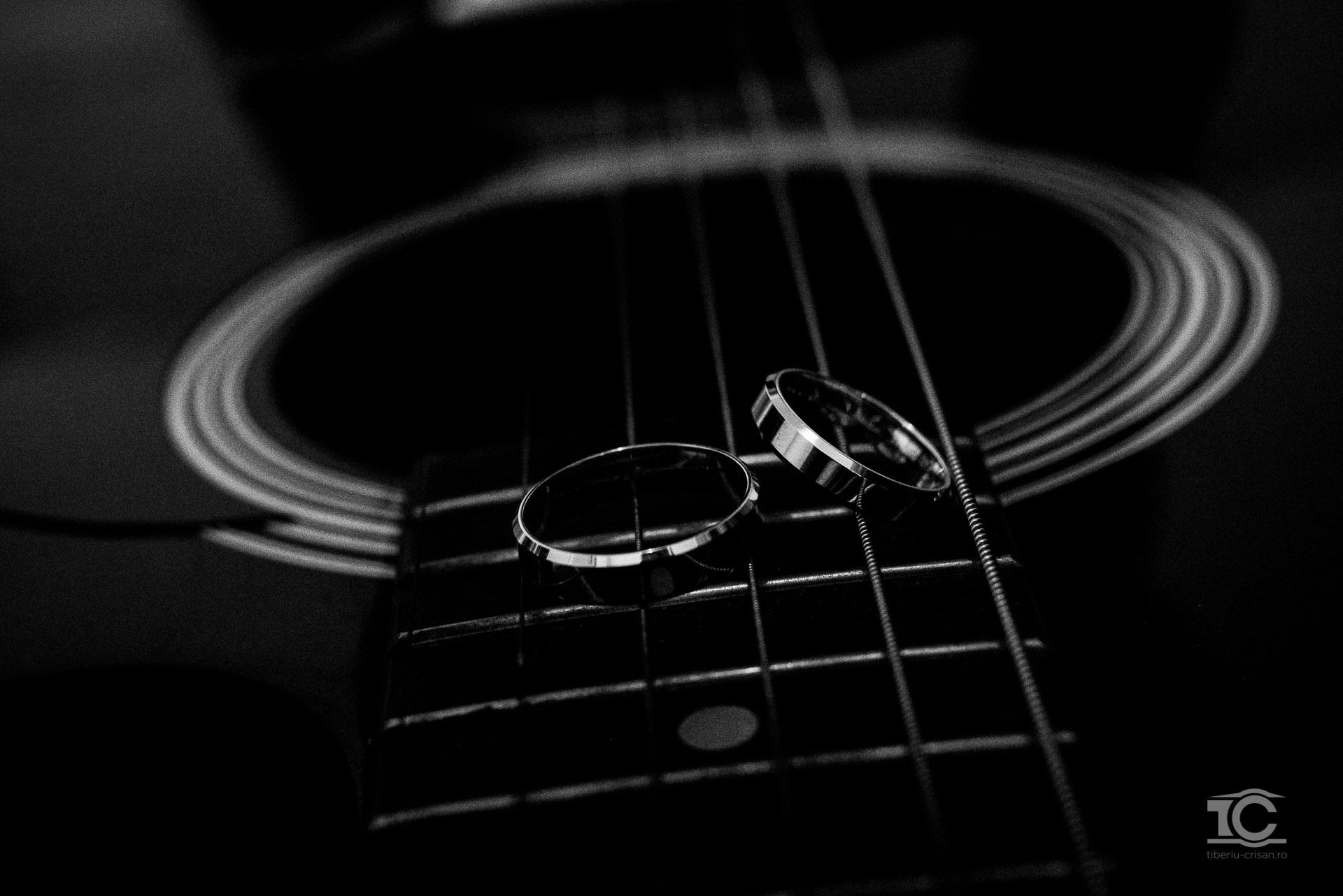 verighetele de nunta pe chitara