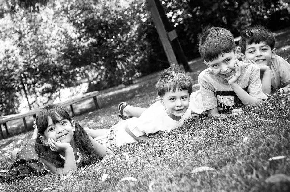 Copii - portret in alb-negru