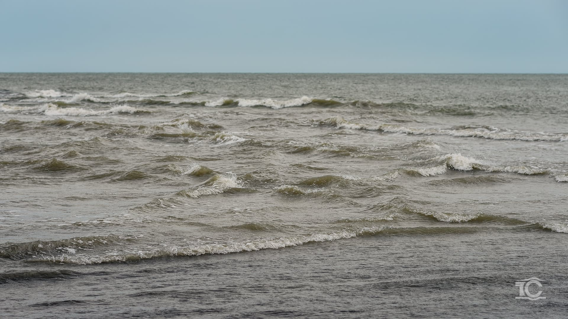 Locul unde Dunarea se varsa in Marea Neagra, bratul Sf. Gheorghe