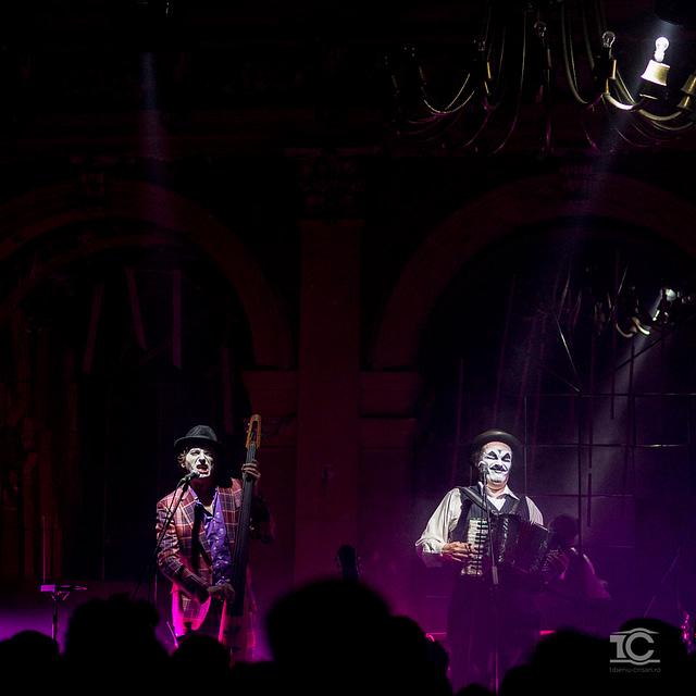 Adrian Stout  si  Martyn Jacques de la Tiger Lillies live la Cluj
