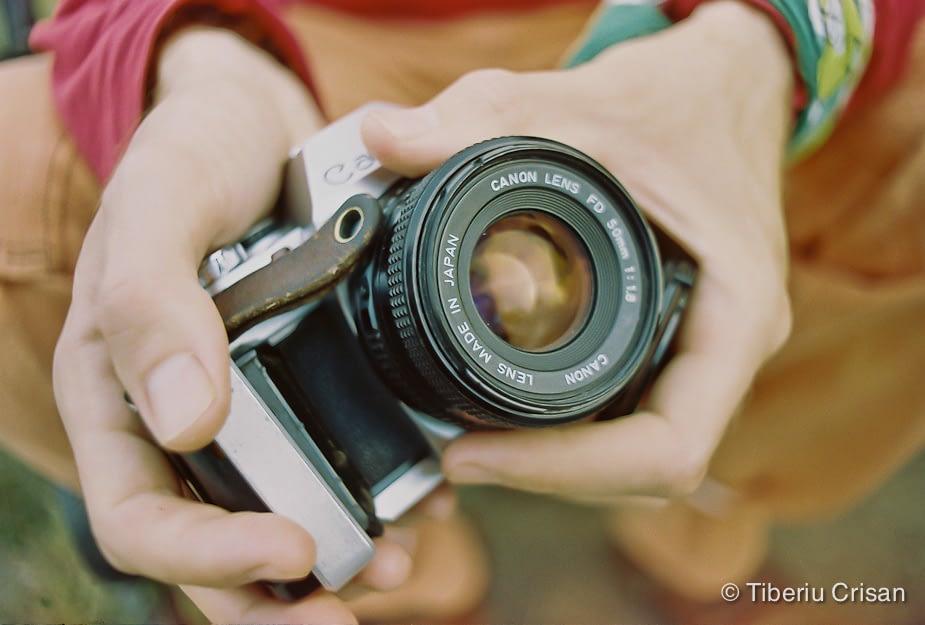 Aparat foto Canon pe film