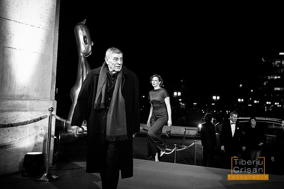Mitica Popescu soseste la Premiile Gopo 2013, urmat de Ozana Oancea